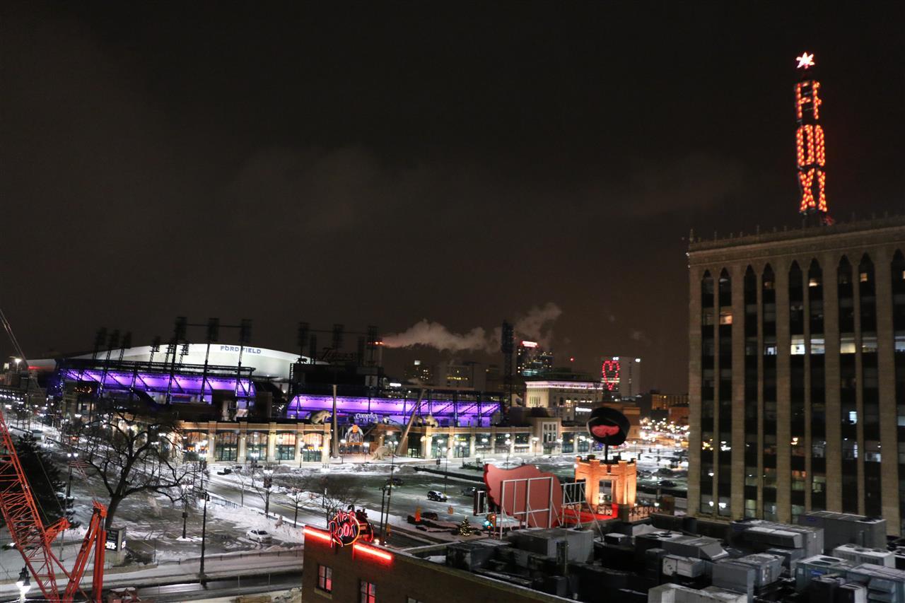 Detroit at night for Motor city casino parking